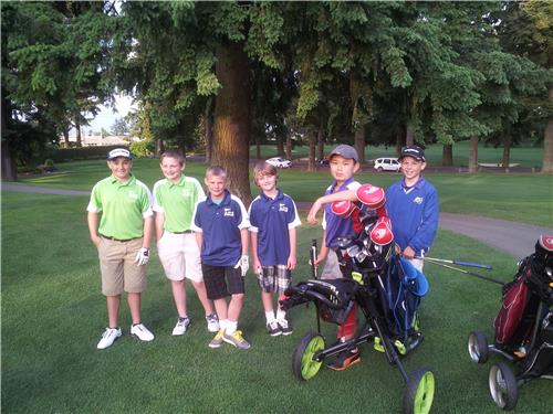 Playing golf on a team to help develop playing as an individual.
